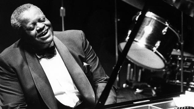 El pianista de jazz montrealés Oscar Peterson.