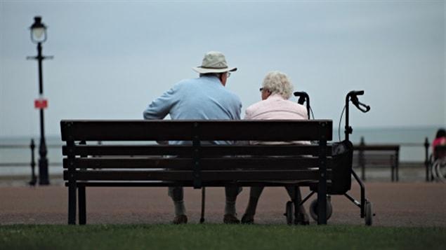 La croissance de la population du Québec devrait se poursuivre d'ici 2061, mais à un rythme de moins en moins rapide, dans un contexte de vieillissement démographique toujours plus accentué, indique l'ISQ.