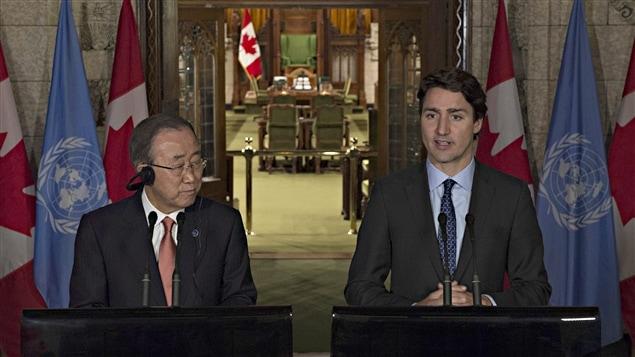 Le secrétaire général des Nations unies, Ban Ki-moon, et le premier ministre Justin Trudeau