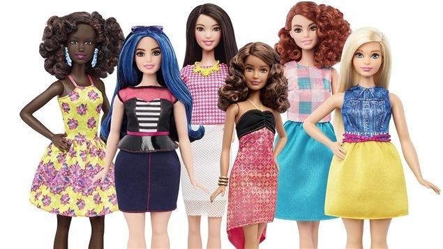 La populaire poupée Barbie est maintenant offerte en version ronde, grande et petite.