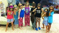 Un groupe d'enfants participant au Camp théâtre de l'Anse.