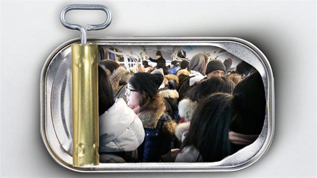 C'est à Montréal, Toronto et Vancouver, les trois plus grandes villes canadiennes, que le sentiment d'être entassés comme des sardines est le plus élevé.
