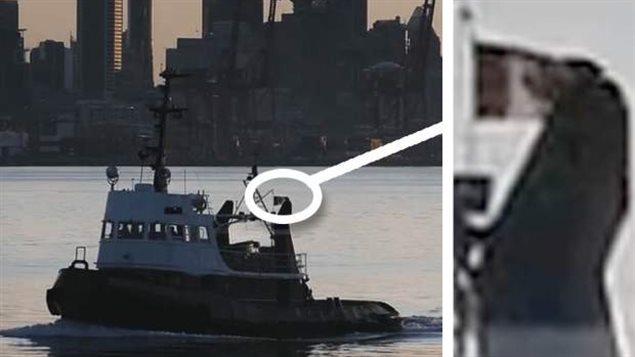 Imagen del barco en la publicidad de rubio con una bandera canadiense en su mástil