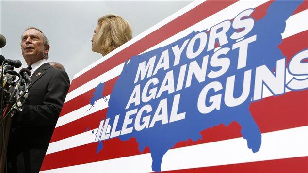 Michael Bloomberg a milité en faveur d'un contrôle des armes à feu lorsqu'il était à la mairie de New York, mais également après sa vie publique.