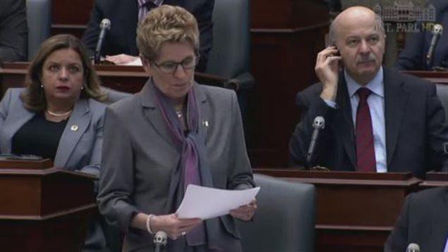Kathleen Wynne ofrece disculpas a los francófonos de Ontario.