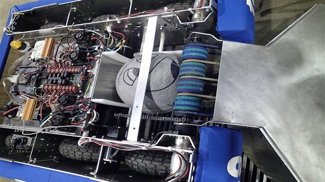 Le robot de l'équipe Supertronix 5910 de Matane.