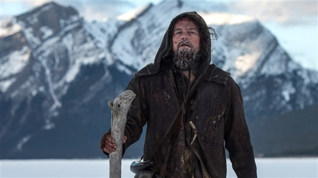 Le film Le revenant a ajouté trois Oscars à son tableau de chasse. Alejandro González Iñárritu, le cinéaste mexicain est sacré meilleur réalisateur pour la deuxième année consécutive tandis que Leonardo DiCaprio obtient la statuette du meilleur acteur pour la toute première fois de sa carrière.
