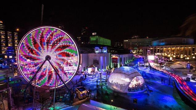 La Place des festivals pendant Montréal en lumière en ce moment.