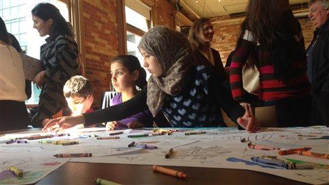Journée coloriage pour les enfants réfugiés syriens à Toronto