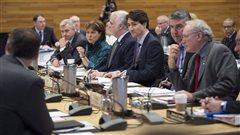 Justin Trudeau et les premiers ministres provinciaux discutent du climat à Vancouver