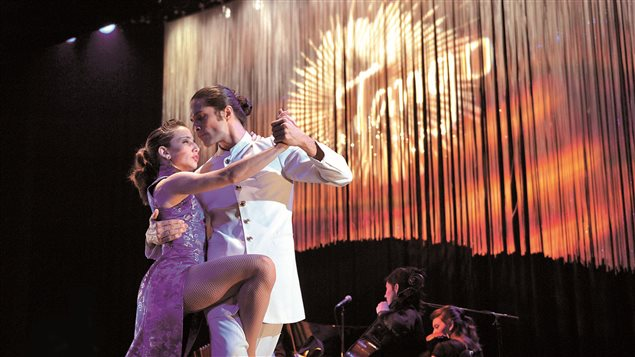 El Ensamble Rómulo Larrea celebra sus bodas de plata con el tango.