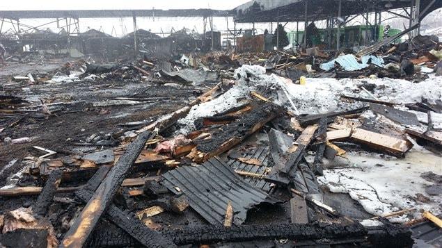 Il ne reste que des ruines après le violent incendie.