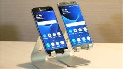 Téléphone cellulaire Samsung Galaxy S7 et S7 Edge présentés au salon annuel de la mobilité Mobile World Congress (MWC) 2016