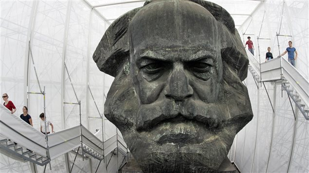 Une statue géante de Karl Marx exposée dans un musée de la ville allemande de Chemnitz, en 2008