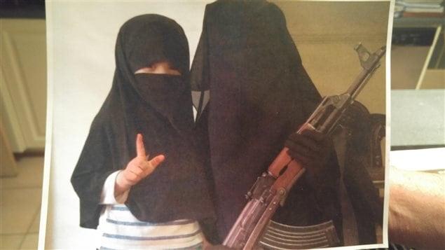 Cette photo de la femme d'Ismael Habib et leur enfant aurait été prise en Syrie.