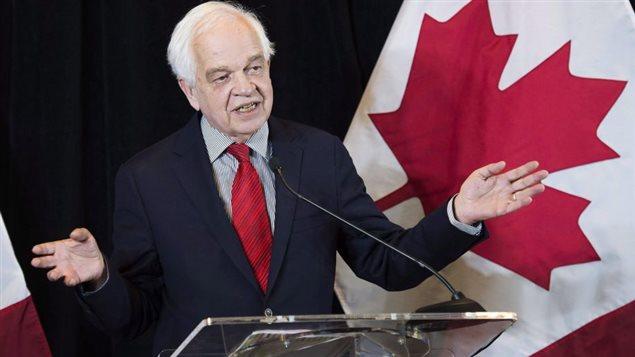 Le ministre de l'Immigration, John McCallum, annonce que le Canada double son objectif d'accueil de réfugiés en 2016.Photo: Nathan Denette La Presse canadienne
