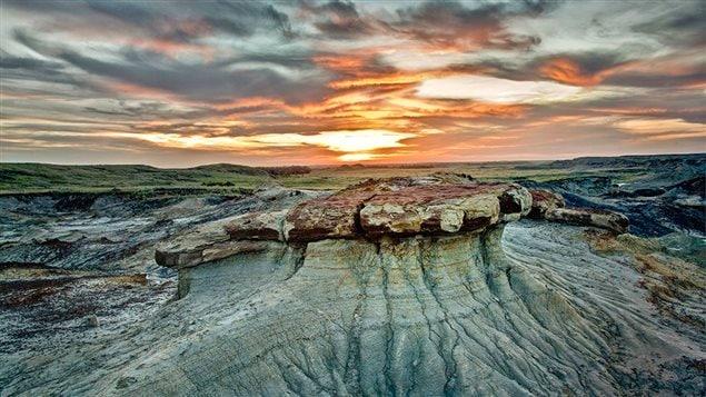 L'artiste et photographe Ken Dalgarno utilise la lumière naturelle pour obtenir ces images des badlands en Saskatchewan.