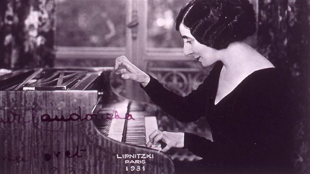 Photo signée par la claveciniste Wanda Landowska