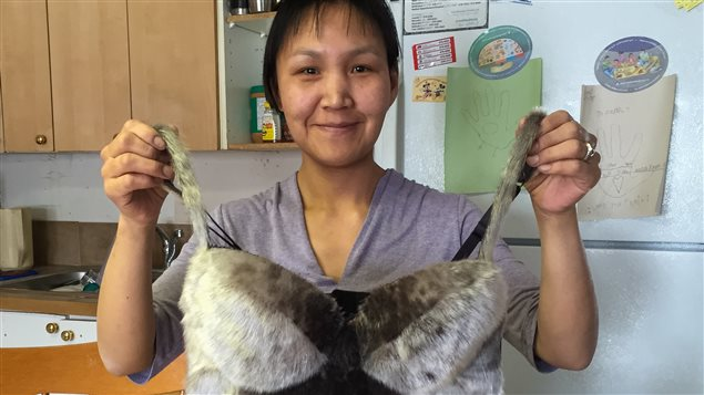 Nala Peter confectionne de la lingerie fine en peau de phoque