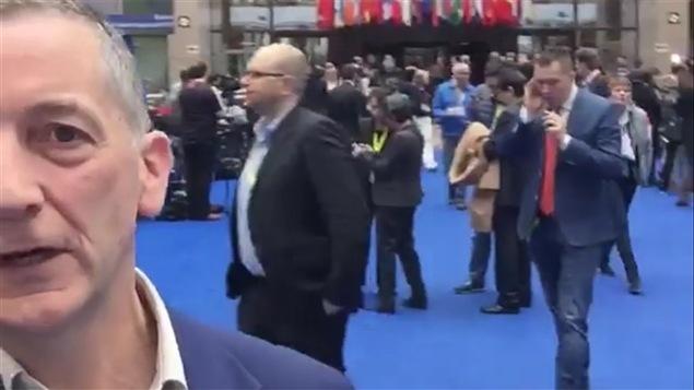 Image tirée d'une vidéodiffusion de la BBC, en direct sur Facebook depuis le sommet sur les migrants à Bruxelles