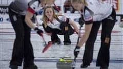 Chelsea Carey de l'équipe canadienne de curling