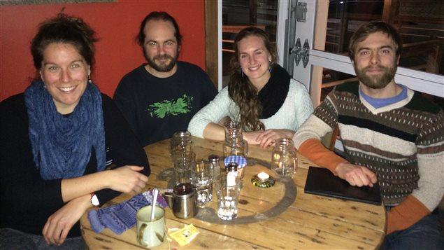 Eva Cormier-Langford, Jérôme Demers, Catherine Chevrier-Turbide et Jean-Étienne Solomon ont tous vécu un «retour» dans l'archipel madelinot