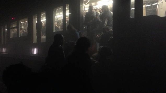 Évacuation du métro de Bruxelles après les attentats du 22 mars