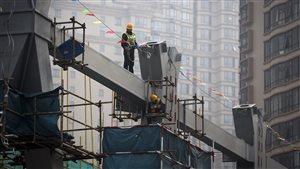 中国经济陷入困局、拖欠工资问题增加