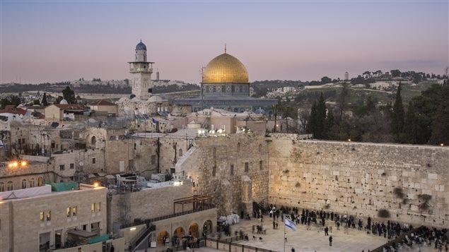 Le mur des Lamentations et le dôme du Rocher, à Jérusalem