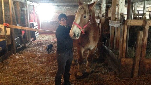 Claudia Andersen, zoothérapeute et fondatrice du refuge SAFA (Sanctuaire pour animaux de ferme) à Ste-Angèle-de-Mérici, au Québec.