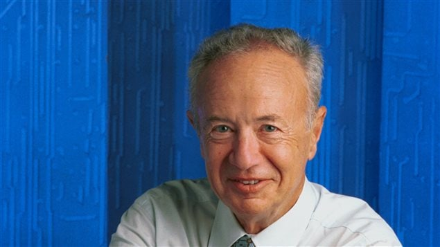 Andy Grove, ancien chef de la direction de la société Intel, photographié en 2000 à Palo Alto