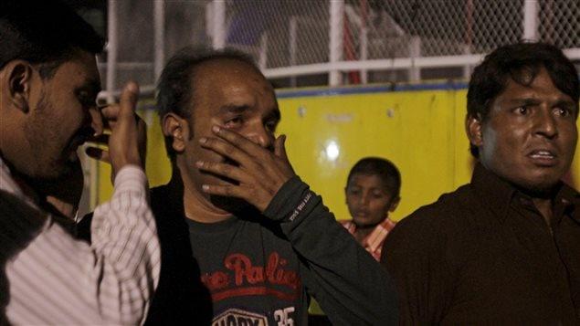Plusieurs témoins ont vu la scène de l'explosion, qui a fait une cinquantaine de morts, surtout des femmes et des enfants. (27 mars 2016)