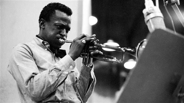 Miles Davis lors de l'enregistrement de son album <em>Kind of Blue</em>, en 1959