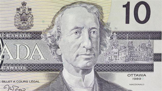 Détail d'un billet canadien de 10 dollars à l'effigie de John A. Macdonald