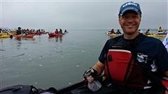 C'est le temps de s'inscrire à la deuxième édition du Défi kayak! Du 18 au 21 août, 250 kayakistes auront la chance de pagayer sur le fleuve Saint-Laurent  au profit de Jeunes musiciens du monde. Claude en parle avec Mathieu Fortier, cofondateur de Jeunes musiciens du monde, et Yann Perreau, porte-parole du Défi kayak.