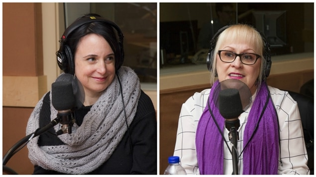 La documentariste Hélène Choquette et Madame Fournier, intervenante de première ligne retraitée.