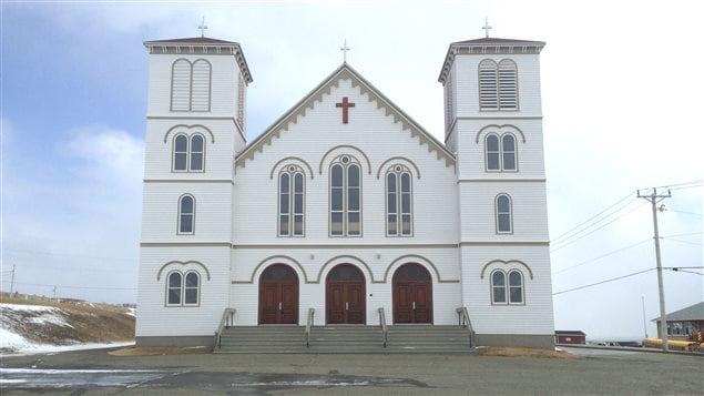 Les cloches ont sonné à l'église de Saint-François-Xavier du Bassin. Deventure de l'église