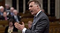 Le député fédéral de Beauce Maxime Bernier se lancera dans la course à la direction du Parti conservateur du Canada. Et Thomas Mulcair est à quelques jours d'un vote de confiance important.