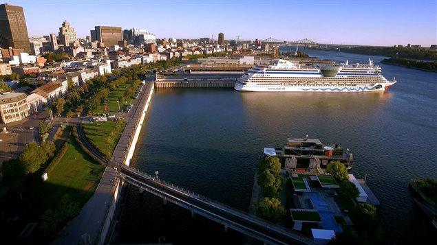 Le concept de ville éponge propose de réutiliser l'eau de pluie pour verdir les espaces plutôt que de les déverser dans le fleuve.