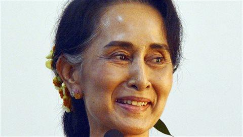 Le long mutisme de la dirigeante birmane face à la situation dans son pays a soulevé de virulentes critiques en Occident et dans plusieurs pays musulmans.