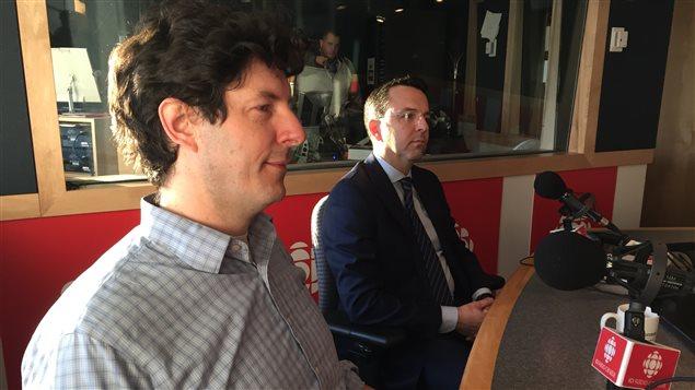 Les avocats en immigration Peter Edelmann et Stéphane Duval, à l'émission Phare Ouest