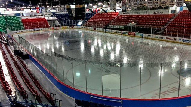 La patinoire du Centre Robert-Guertin.