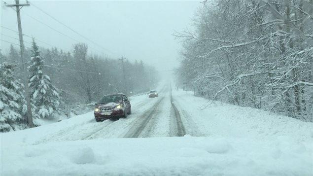الثلج يغطي الشوارع