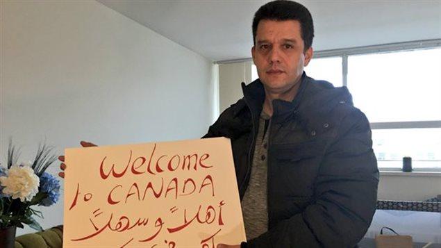 Miloud Chennoufi est membre d'un groupe qui parraine uen famille de réfugiés syriens.