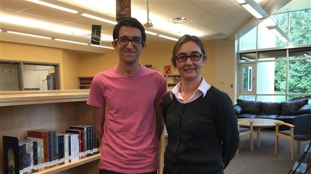 L'élève Nadhem Rojbi et son enseignante, Sandrine Legay