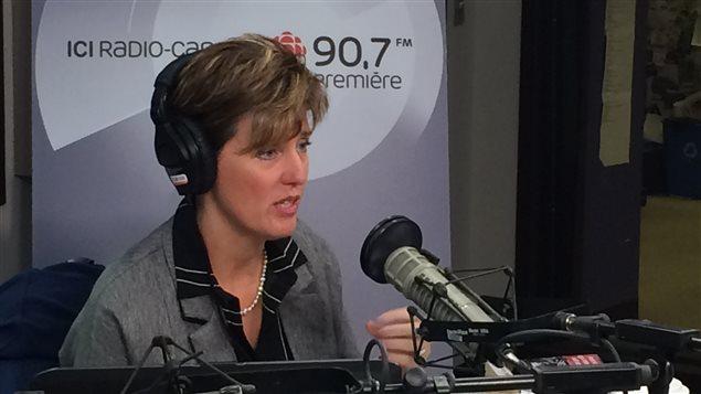 وزيرة التنمية الدولية والفرنكوفونية في الحكومة الكندية ماري كلود بيبو في مقابلة إذاعية (أرشيف).