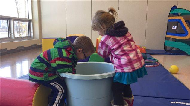 Il est souvent difficile de trouver une garderie en français en Alberta, selon la Fédération des parents francophones de l'Alberta.