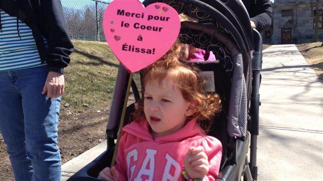 La famille de la petite Élissa, qui a récemment reçu un nouveau coeur, a participé hier à Montréal à la marche pour sensibiliser au don d'organes.