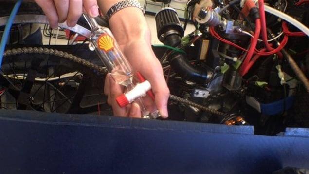 Le minuscule réservoir d'essence du véhicule développé par des étudiants de l'Université de Toronto.