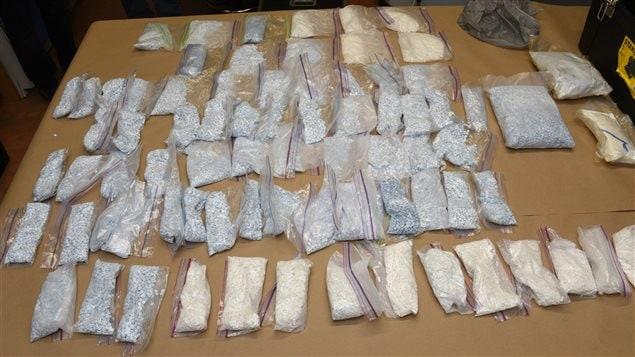 Plus de 76 000 comprimés de Fentanyl ont été saisis.